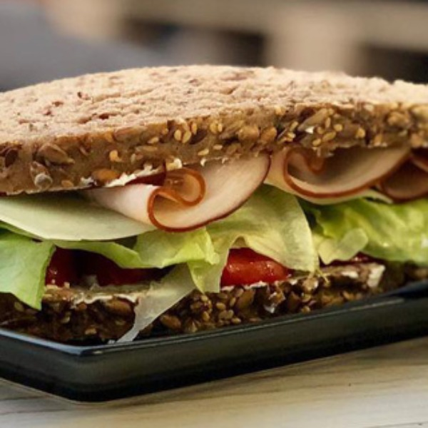 Beanerds café coffee argyroupoli attica Athens snack healthyproducts homemade toast lettuce turkey cherrytomatoes